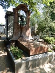 Cimetière de Montmartre: tomb of Émile Zola (John Steedman) Tags: フランス france frankreich frankrijk francia parigi parijs 法国 パリ 巴黎 montmartre cimetièredemontmartre cgth friedhof cimetière cemetery cementerio grave tomb