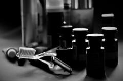 Complete kit (Jose Rahona) Tags: macro contrast bw blackandwhite blancoynegro monocromo blackwhite