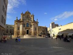 Chiesa San Francesco d'Assisi (FIORE Luigi) Tags: matera basilicata lucania chiesa architettura archi italia church piazza people persone lampione