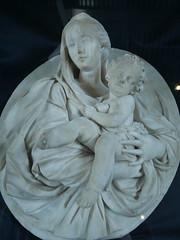 Ovale con Madonna col bambino (chiara7171) Tags: genovaliguriamuseo ovale madonnaconilbambino francesco maria schiaffino dalla demolita porta degli archi marmo museodisantagostino convento
