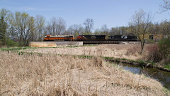 NS8105BridgeDuplainvilleWI5-8-18 (railohio) Tags: cn ns trains duplainville sussex wisconsin d3100 050818 es44ac interstate heritageunit norfolksouthern canadiannational a447 ns8105 interstaterailroad