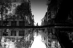 in between (maekke) Tags: paris france belleville reflection urban streetphotography 35mm fujifilm x100t noiretblanc bw 2018