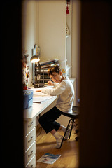What's up (Pablo Martinez Romero) Tags: marcos retrato room escondido puerta misterio