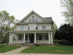 Massive house with partly blocked bay window?  3rd Street, Stillwater, Minnesota (Paul McClure DC) Tags: stillwater washingtoncounty minnesota may2018 historic architecture