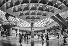 France - Paris - Louvre fisheye Interior 02_mono_DSC7264 (Darrell Godliman) Tags: franceparislouvrefisheyeinterior02monodsc7264 fisheye 8mm wideangle samyang louvre paris france europe impei architecture travel