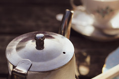 Tea Time (eskayfoto) Tags: canon eos 700d t5i rebel canon700d canoneos700d rebelt5i canonrebelt5i sk201804050016editlr sk201804050016 lightroom teapot tea cup teacup alderleyedge nifty fifty niftyfifty wizardtearoom