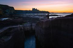 Tantallon Castle from Seacliff Harbour (Uillihans Dias) Tags: edinburgh scotland unitedkingdom gb tantalloncastle northberwick seacliffbeach architecture
