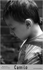 Pirulito (Dairo Cervantes (D.C.)) Tags: dairocervantes dc colombia bogotádc bogota colibri titeres niño blancoynegro venezuela portrait blackwhitepassionaward people bw blackandwhite infancia