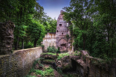 Klosterruine Disibodenberg (Parchman Kid (Jerry)) Tags: klosterruine disibodenberg kloster ruins parchmankid sony a6500 forest woods trees stones old ancient landscape medieval historical stories mystery architectural remnants