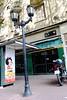 (Roxana Merch) Tags: cafe mafalda santelmo calle street caseta poste luz moto bike