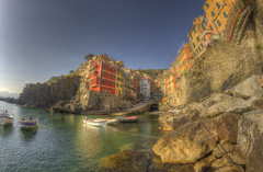 #211 (mariopolicorsi) Tags: mariopolicorsi canon eos 700d fisheye samyang 8mm hdr hdrawards simplysuperb foto fotografia photo photography water acqua mare sea seascapes photoshop photomatix cinqueterre liguria italia italy europa europe landscapes architettura architecture travel viaggio aprile april riomaggiore laspezia