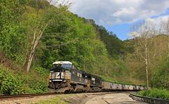 Avonmore Loadout (GLC 392) Tags: ns ge d840cw d940cw c408w c409w avonmore coal load out train railroad raiwlay trees valley pa pennsylvania 8319 9722 branch line