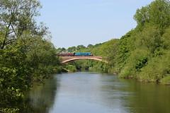 45041 crossing the Victoria Bridge, Severn Valley Railway (colin9007) Tags: br sulzer peak class 45 45041 d53 royaltankregiment