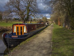 securely moored for the night. (foto.pro) Tags: canal narrow boat moored poachers pocket pub chirk wales