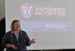 Taryn presents on the Peachland Watershed Protection Alliance (BC Wildlife Federation's WEP) Tags: peachland mapourmarshes wetland workshop rosevalley education citizenscience classification pwpa bcwf wep wetlandseducationprogram