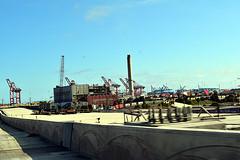 DSC_5696-61 (jjldickinson) Tags: nikond3300 103d3300 nikon1855mmf3556gvriiafsdxnikkor promaster52mmdigitalhdprotectionfilter freeway terminalislandfreeway ca47 ca103 longbeach portoflongbeach polb harbor longbeachharbor crane