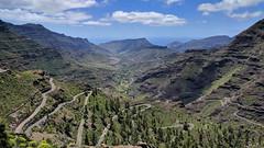 Barranco de Mogán (JLL85) Tags: grancanaria isla barranco verde azul carretera ciclismo aventura landscape