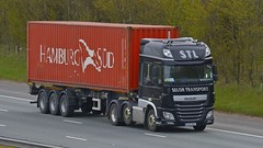 SE10 RUS (panmanstan) Tags: daf xf wagon truck lorry commercial container freight transport haulage vehicle a1m fairburn yorkshire