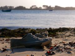 (An Arzhig) Tags: shoes chaussures plage roscoff bretagne france panasonic gx800 finistère lumix