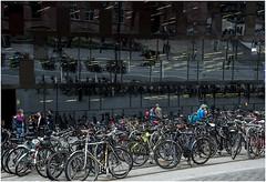 2205- ARQUITECTURA Y REFLEJOS  EN FREIBURG - (--MARCO POLO--) Tags: bicicletas rincones ciudades arquitectura edificios reflejos