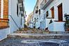 Calle de Frigiliana (juanmzgz) Tags: frigiliana málaga andalucía españa puebloblanco casasencaladas arquitecturapopular calle empedrado turismo axarquía
