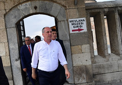 MEVLANA MUZESINI VE TURBESINI ZIYARET (FOTO 2/2) (Muharrem INCE) Tags: siyaset sol sosyal sosyaldemokrasi chp cumhuriyet cumhurbaskani adayi ince muharrem konya mevlana turbe muze politika turkey turkiye tbmm engin altay ankara