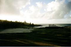 Anakena (photo du chaleins) Tags: anakena rapanui playa beach easterisland moai photo photography analoga analog analogphotography film fotografia foto 200asa rollo fotografiaanaloga zenit zenit11