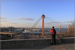 Вид на эстакаду и Одесский морской порт (vikkay) Tags: одесса порт эстакада корабли море закат вечер пейзаж зритель наблюдатель велосипед облака спортсмен велосипедист