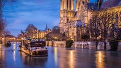 Crue_Seine-6 (Justin.S.) Tags: bateau cloud crue facebook flickr flood france iledefrance instagram longexposure night notredamedeparis nuage nuit paris poselongue publiee seine