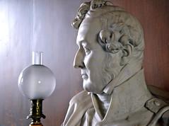Louis-Philippe (JDAMI) Tags: louisphilippe roi buste lampe eu seinemaritime normandie 76 france nikon d600 tamron 2470