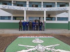 """Visita ao 34° Batalhão de Infantaria Mecanizada, em Foz do Iguaçu • <a style=""""font-size:0.8em;"""" href=""""http://www.flickr.com/photos/100019041@N05/40953132645/"""" target=""""_blank"""">View on Flickr</a>"""