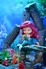 Cuddling with Flounder (GaleXV) Tags: jfigure bfigure mermaid underwater diorama nikon d3100 toyphotography nendoroid goodsmilecompany ocean littlemermaid disney ariel disneyprincess