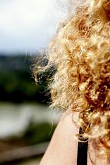 Un zeste de Mary (Et si, et si ...) Tags: cheveux femme mary epaule détails