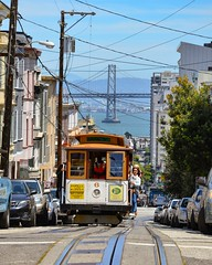 Let's ride the Cable Car ! (thomas_chaffaut) Tags: sf sfmta ca usa sanfrancisco california muni baybridge cablecar transit powell transport instatransport tram tramway streetcar strasenbahn railguru igtramway igerssf kingsvehicles kingstransports tvtransport discover neverstopexploring travel holidays