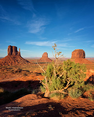 Monument Valley buttes (Marc Haegeman Photography) Tags: monumentvalley navajotribalpark arizonaphotographybymarchaegeman arizona usa americansouthwest nikon landscapes travel iconic buttes sandstone desert johnford western johnwayne