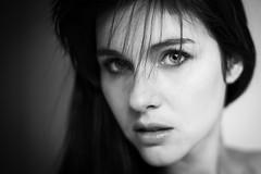 Pauline (Lievinshoot) Tags: portrait regard brune