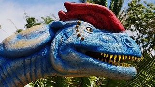 Dilophosaurus - Life Size Animated Dinosaur Portrait