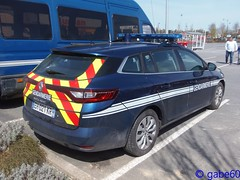 Gendarmerie Nationale (rescue3000) Tags: renault mégane megane estate gendarmerie nationale transports transport aériens aérien gta national air véhicule moyenne capacité medium capacity vehicle durisotti voiture army military armée militaire rencontre meeting