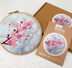 🌸 In addition to the complete embroidery kits, the #blossom design is also available as a fabric pack 🌸 This is just the printed fabric pattern, instructions and a paper version of the patter for later use 🌸 Fa (ohsewbootiful) Tags: ifttt instagram embroidery etsy etsyuk gifts giftsforher homedecor hoopart fiberart handembroidery handmade etsyseller embroideryhoop shophandmade handmadegifts decor wallhanging bestofetsy instaart hoopsofinstagram madebyme stitchersofinstagram