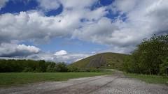 Halde Haniel (frankdorgathen) Tags: alpha6000 sony1018mm weitwinkel wideangle wolken himmel cloud sky landschaft landscape bergbau mining rag zecheprosperhaniel ruhrpott ruhrgebiet bottrop haldehaniel