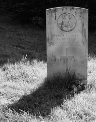 Butler, Oxford and Bucks Light Infantry.. (Air Frame Photography) Tags: cwgc broughton oxfordshire grave ww1 lest we forget ww2
