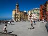 football everywhere (Fab. A) Tags: camogli italie colors ville village city ligurie football people paysage life sun canonm