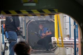 ESA astronaut Alexander Gerst trains with NASA astronaut Serena Auñón-Chancellor