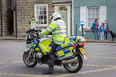 Waiting (barronr) Tags: england knaresborough rkabworks tourdeyorkshire yorkshire bathgatephotographer cycling motorbike police race support
