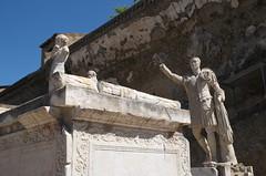 IMGP5297 (hlavaty85) Tags: ercolano herculaneum ara di marco nonio balbo pomník statue