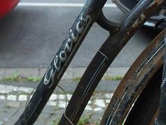 Gloria (mkorsakov) Tags: dortmund city innenstadt klinikviertel fahrrad bike bicycle rahmen frame rost rust gloria typo retro vintage 8500