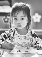 LiveABC Demo 149 (C & R Driver-Burgess) Tags: language children kids small kindergarten preschool class teachers colour learn draw girl boy little face hands eye sister brother 孩子 女儿 儿子 弟弟 兄弟 妹妹 老师 班 教室 英语 课 学生 小姐 很小 漂亮 很帅 可爱 cute pretty portrait child