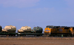 Military Meet at Menoken (Jeff Carlson_82) Tags: up 8719 ks menoken kansassub meet military equipment tank army flatcar dodx unionpacific mnpkc emd sd70ace manifest load train railroad railfan railway
