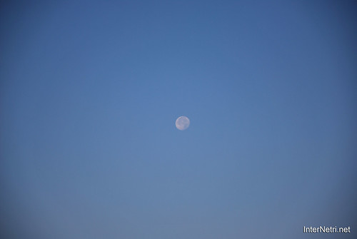Небо Місяць удень InterNetri Ukraine  51