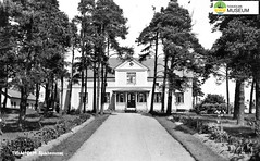 tm_7115 - Sjukhem, Tidaholm (Tidaholms Museum) Tags: svartvit positiv byggnad sjukhem tidaholm exteriör